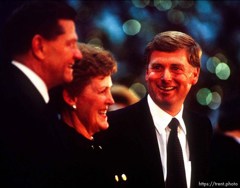 Dan Quayle Campaigns for Karl Snow