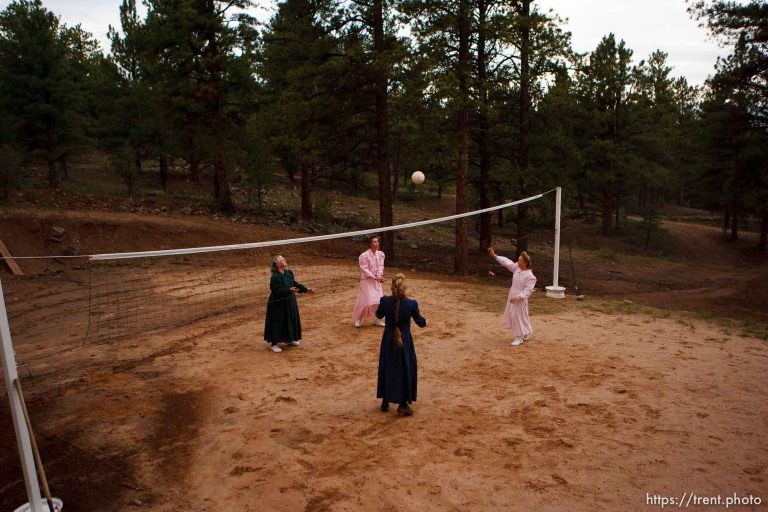 FLDS in Westcliffe – Volleyball